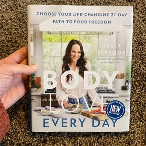 Kelly LeVeque Body Love Everyday NEW